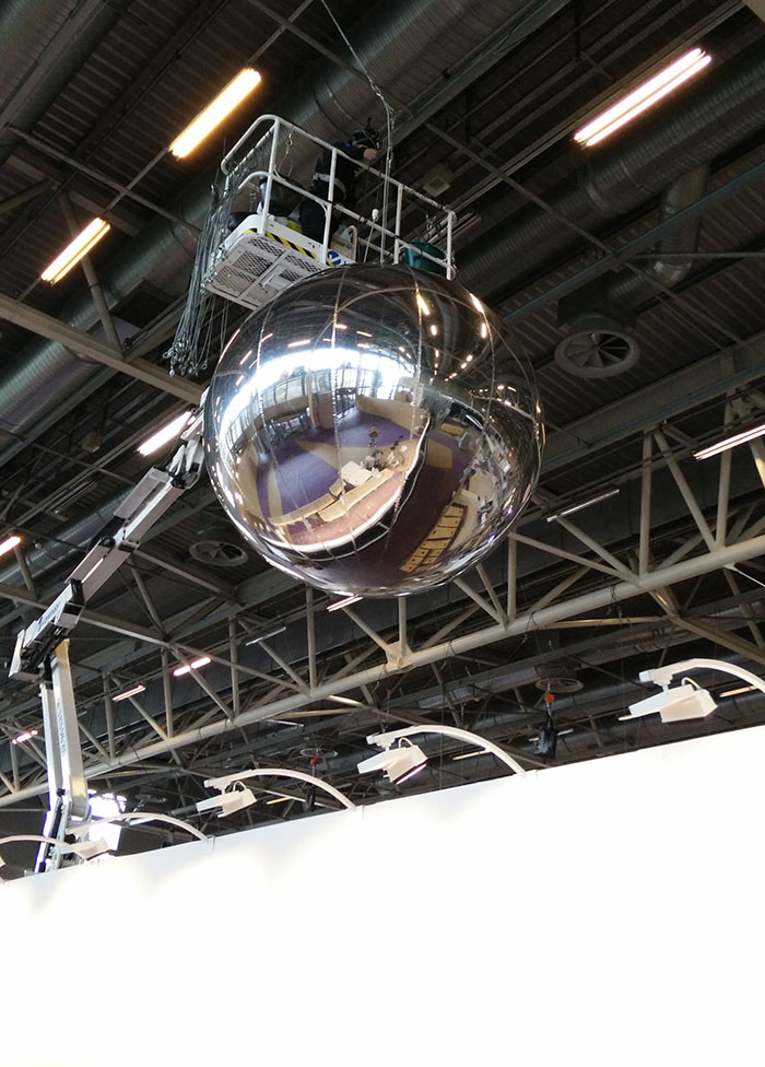 Cube publicitaire gonfl l 39 h lium gonflable pour - Fabrication d un miroir ...