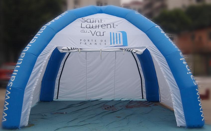 Stand gonflable type tente spider pour la ville de saint for Piscine de saint laurent du var