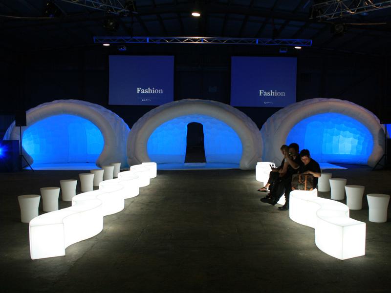 tente et stand gonflable igloo luna tr s design et fashion. Black Bedroom Furniture Sets. Home Design Ideas